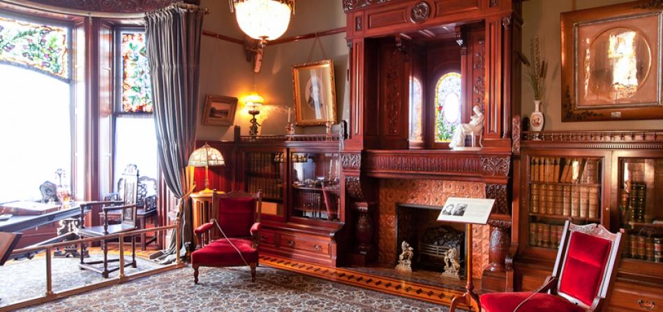 Craigdarroch Castle Abbeymoore Bed And Breakfasts In
